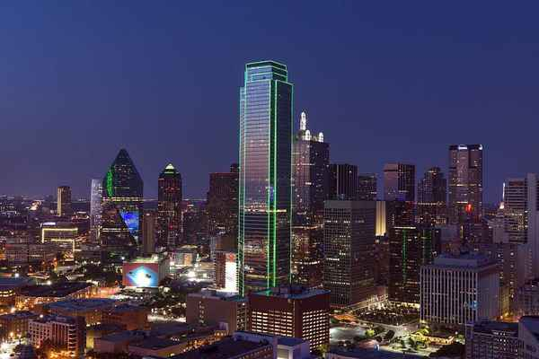 Poster Dallas Skyline Stadtbild Dämmerung Texas Twilight Sonnenuntergang Download